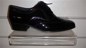 PA 5 - Sapatos masculino verniz preto.