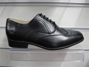 PA 6 - Sapatos masculino em couro preto.