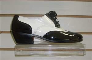 M1- Salto carrapeta - Sapato Preto e branco em verniz , sola de couro e Salto carrapeta.